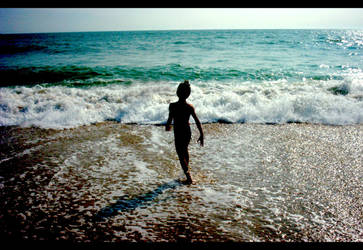 The Child and the Sea by Emily-Pictures
