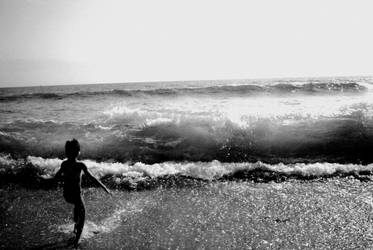 The Child and the Sea II by Emily-Pictures