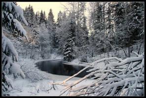 Vantaa - Dark river by tenetsi