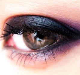 Purple eye by Lara-style
