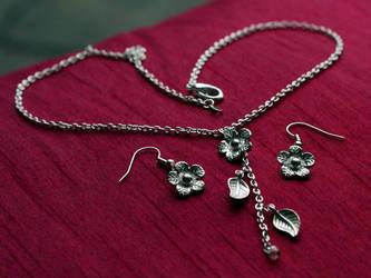 Daisy chain Jewellery Set by xxbcxx