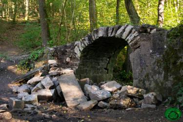 Broken Bridge by Idraemir