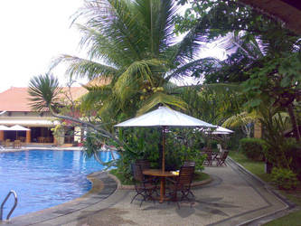 Swimming Pool by k13rayuuki