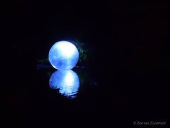 Floating Moon by Feia-Aila