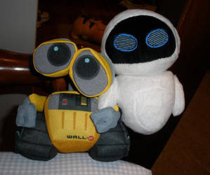 Wall-e and Eve by Glacideas