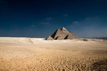 Pyramids of Giza - II by InayatShah