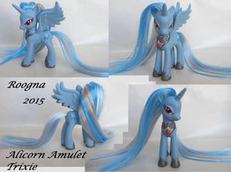 Alicorn Amulet Trixie by Roogna