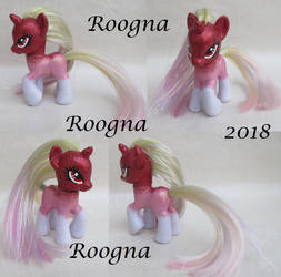 Sparkle Glam by Roogna