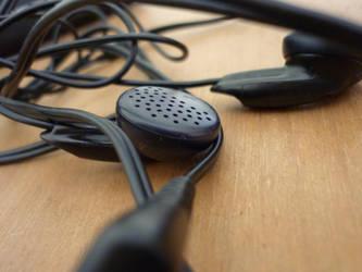 Headphones by squiggletitledate