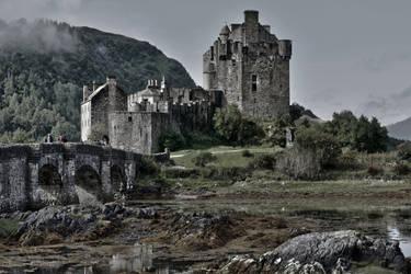 Eilean Donan Castle 2 by CitizenFresh