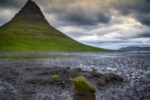 Kirkjufell 4 /outflow/ by CitizenFresh