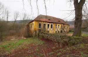 Mansion Overgrown by ondrejZapletal