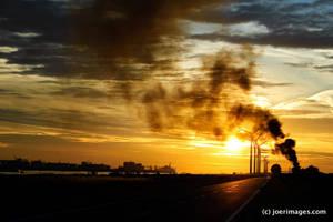 Smokey Sunset by joerimages