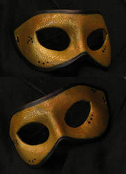 bronze crackle mask by danaan-dewyk