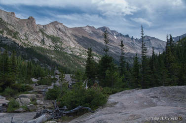 Glacier Gorge III by pesterle