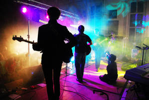 Rock Concert 1 by makes--me--wonder