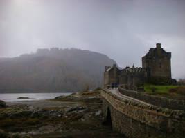 Eilean Donan Castle by Zombiesatemyyoghurt