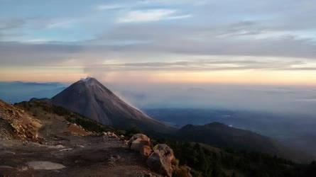 El Volcan de Fuego by YoLoL