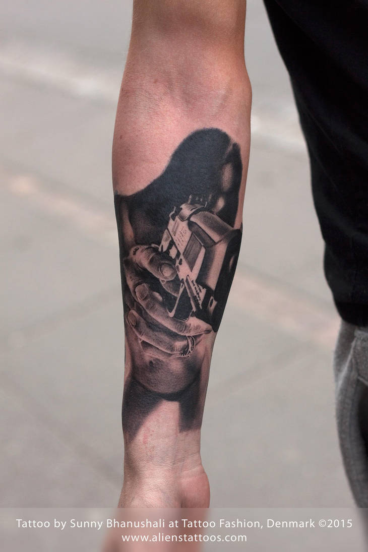 Girl with Gun Tattoo by Javagreeen