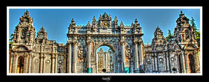 Dolmabahce Palace Enterance by sinanrby