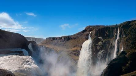 Waterfall Valley by Elfios