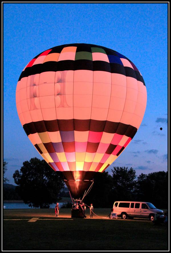 Balloon Glow by mim304
