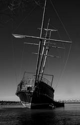 Forgotten Ship by ElectricSixx