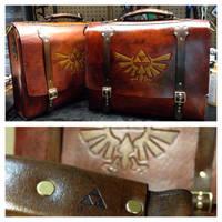 Zelda messenger laptop bag by Skinz-N-Hydez