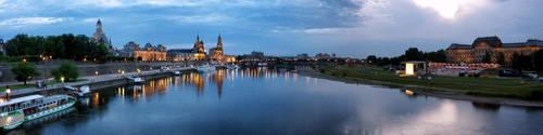Dresden Panorama at Night by cheyrek