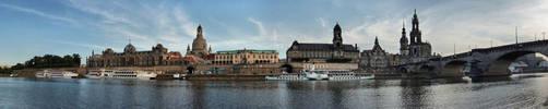 Dresden Panorama by cheyrek