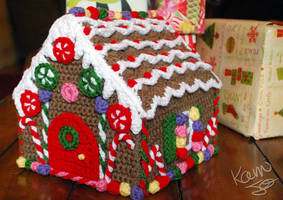Crochet Gingerbread House by kamijo