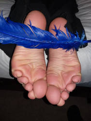 Ticklish soles by staticwayne666