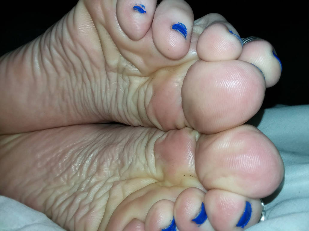Silky soft wrinkles! by staticwayne666