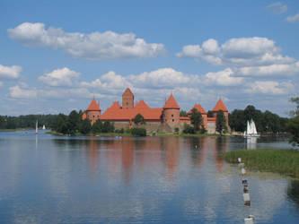 The Trakai Castle by MindaugasR