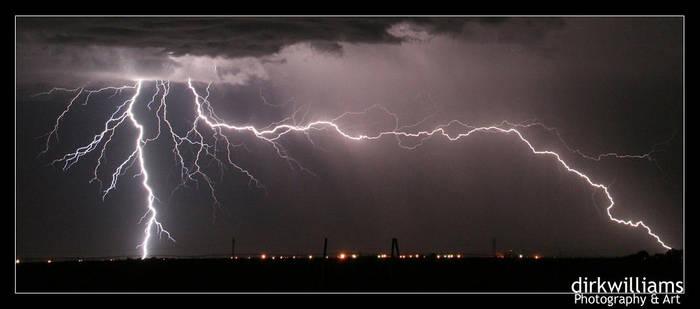 Lightning cropped by dirkwilliams