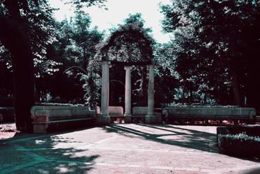 Gardens in Aranjuez by DesiresOfTheSky