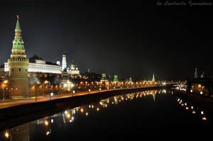 dark night of Kremlin embankment by Lyutik966