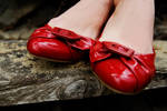 red shoes by gizmoart82