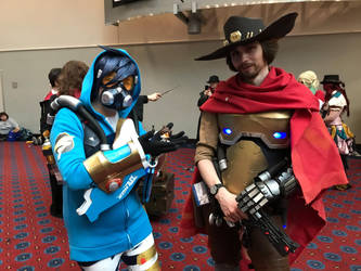 Kumoricon 2018-Tracer ad McCree by GamerGirl14