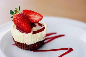 Yummy Strawberry Dessert by puppiferrero