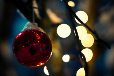 Late Christmas Balls by EylianaStuff