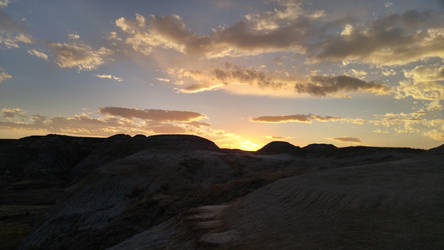 Desert Sunset by Oniiix