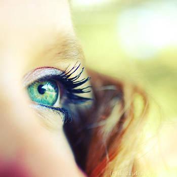 Through the eyes of spring... by onixa