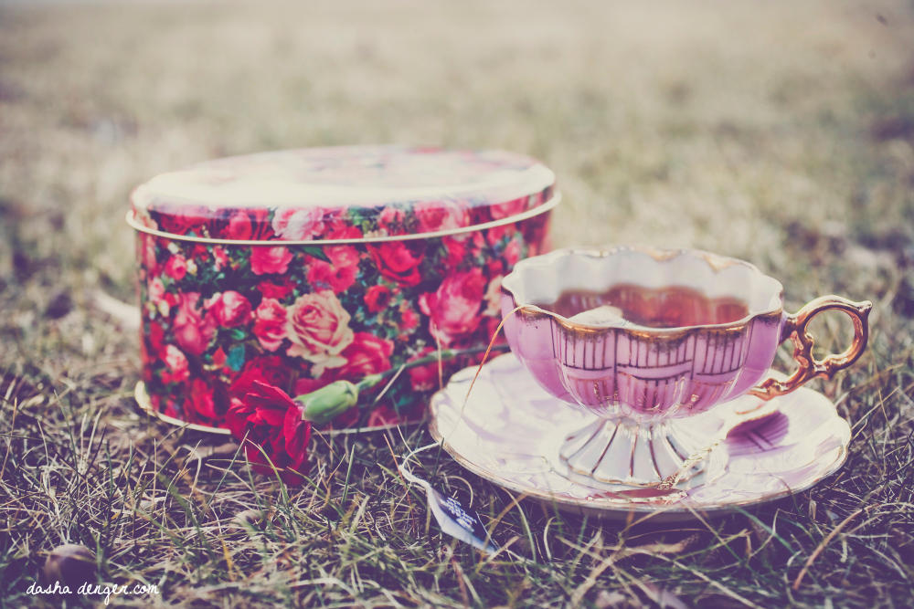 Tea time after sunset by onixa