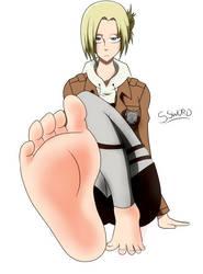 Annie's feet soles by SenkenSword