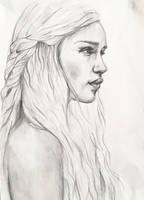 Daenerys Targaryen - Game of Thrones by MajaGantzi