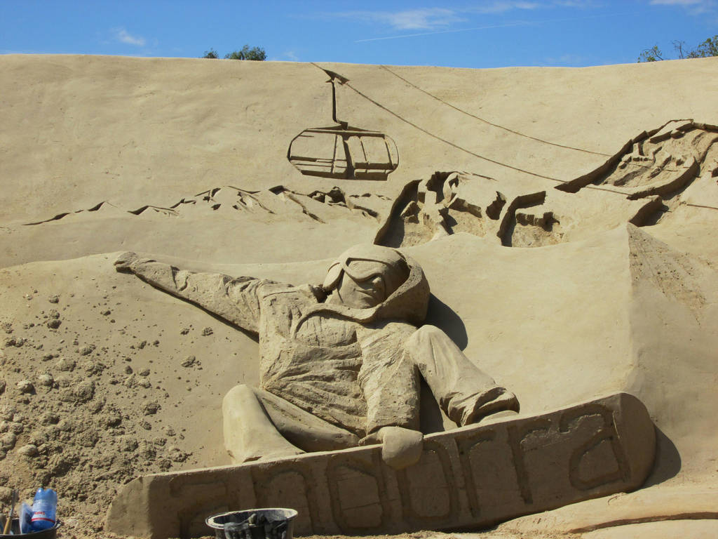 Sand Snowboarder by Bemari