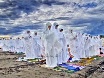 Pray by pandepandu