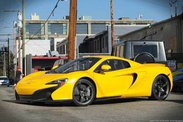 Yellow Mclaren by SeanTheCarSpotter