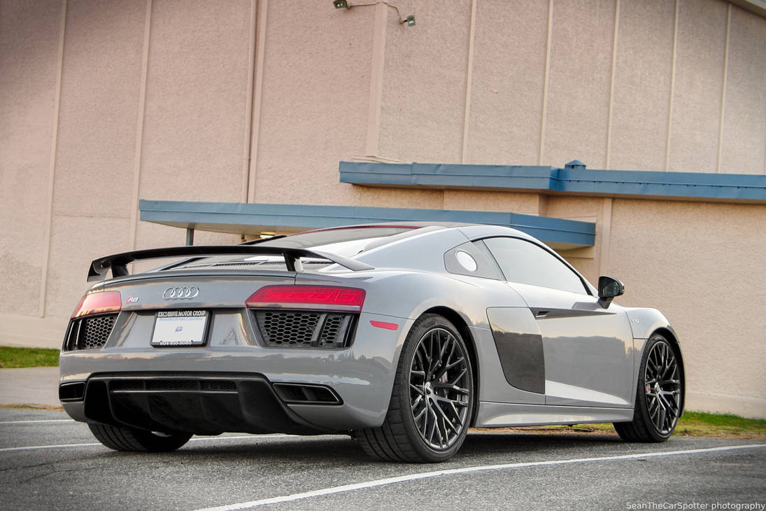 R8 V10 Plus by SeanTheCarSpotter